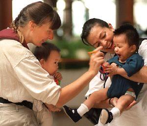 Bajan las adopciones de niños chinos