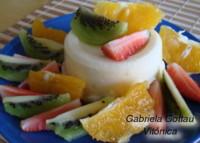 Bavaroise de piña con frutas frescas. Receta saludable