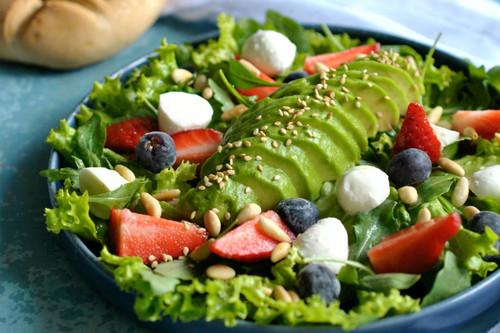 Platos ligeros y saludables para compensar los excesos en el menú semanal del 22 de abril