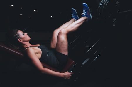 Una rutina completa para entrenar tus piernas en el gimnasio