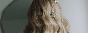 Las horquillas de estrellas son el complemento perfecto para novias e invitadas y quedan así de bien