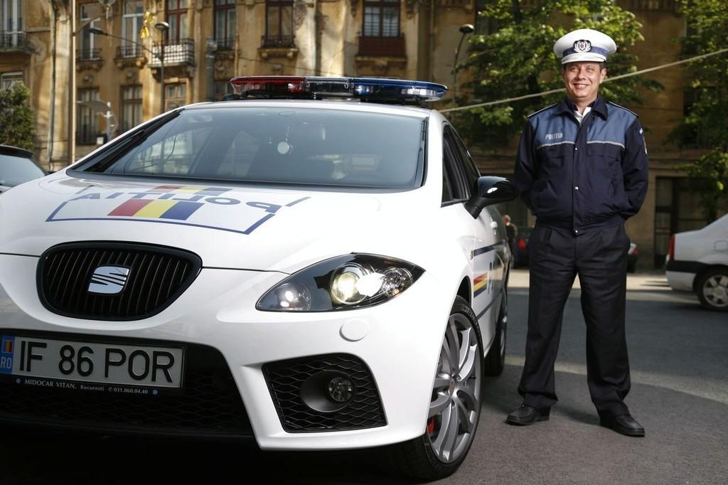 Foto de SEAT León Cupra para la policía rumana (1/5)