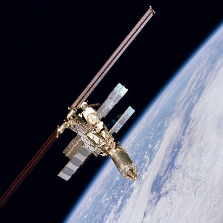 Iss 01