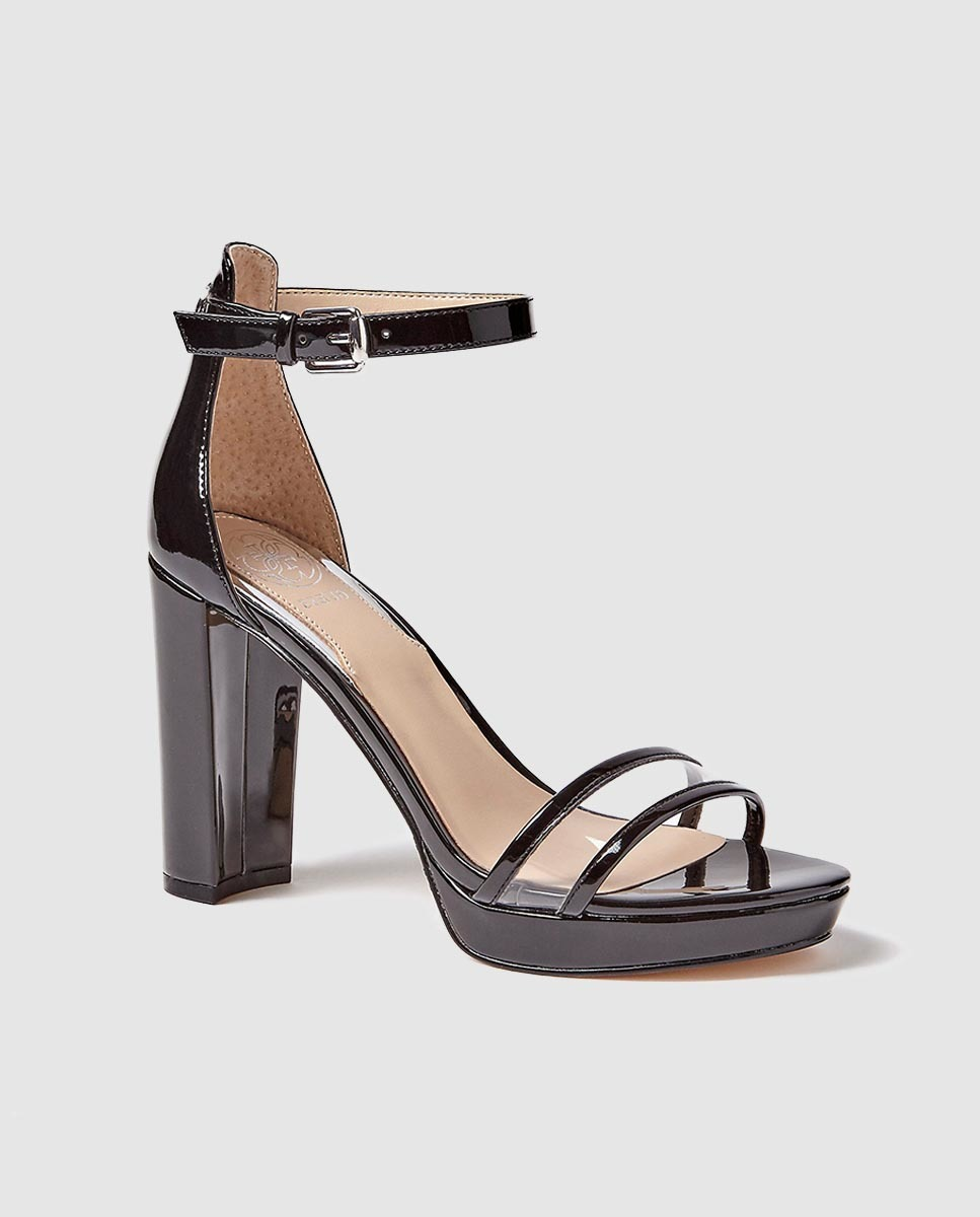 Sandalias de tacón de mujer Guess en charol negro con tira de vinilo