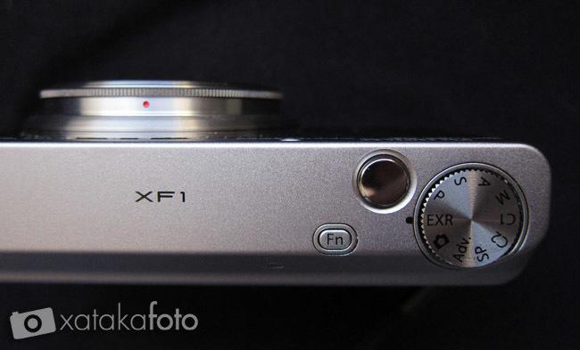 Fujifilm XF1 vista superior
