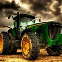 A John Deere le da igual que pagues por sus tractores: siguen siendo suyos, y la clave está en el software