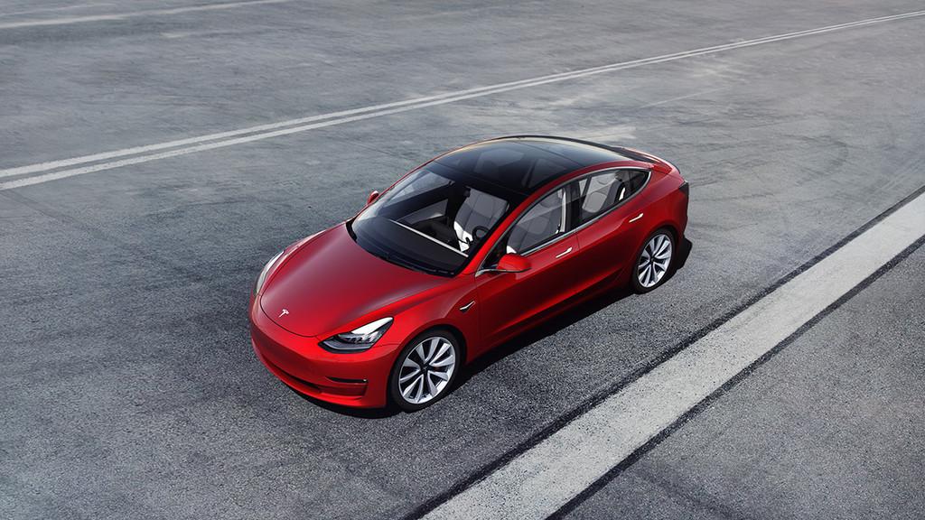 Si eres capaz de hacker un Tesla Model 3, te lo llevas a casa de regalo