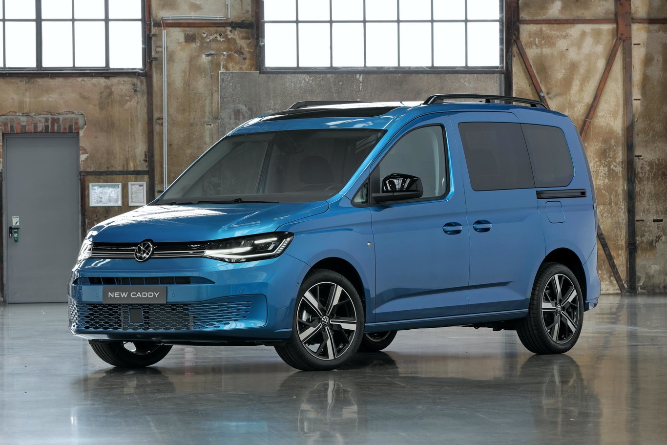2021 VW Caddy Price and Review