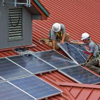 """El Parlamento trata de resucitar el autoconsumo: las claves del nuevo intento para abolir el """"impuesto al sol"""""""