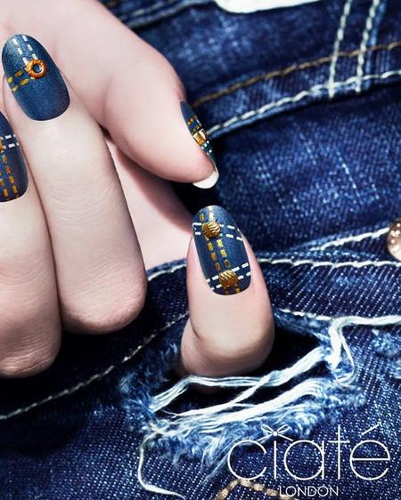 """Ahora los vaqueros también se llevan en las uñas: conoce el kit efecto """"denim"""" de Ciaté"""
