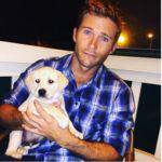 Scott Eastwood tiene un nuevo cachorrillo... yo quiero que me adopte también