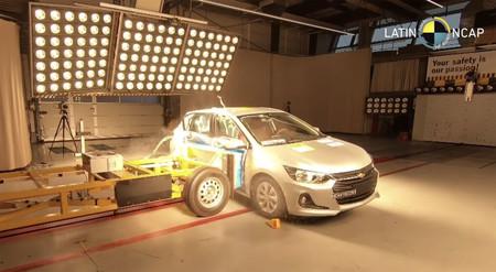 El Chevrolet Onix HB arrasa con 5 estrellas, mientras que Mitsubishi L200 se lleva 0 en resultados de Latin NCAP