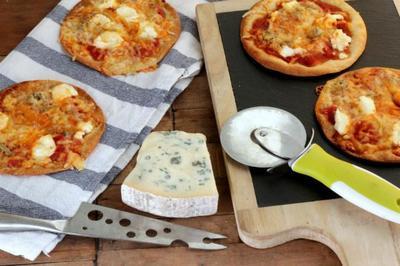 Receta de minipizzas caseras cinco quesos: pequeñas pero con mucho sabor