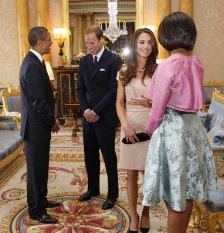 ¡Cazado! el vestido de Kate Middleton en su recepción a los Obama ( y su web colapsada)
