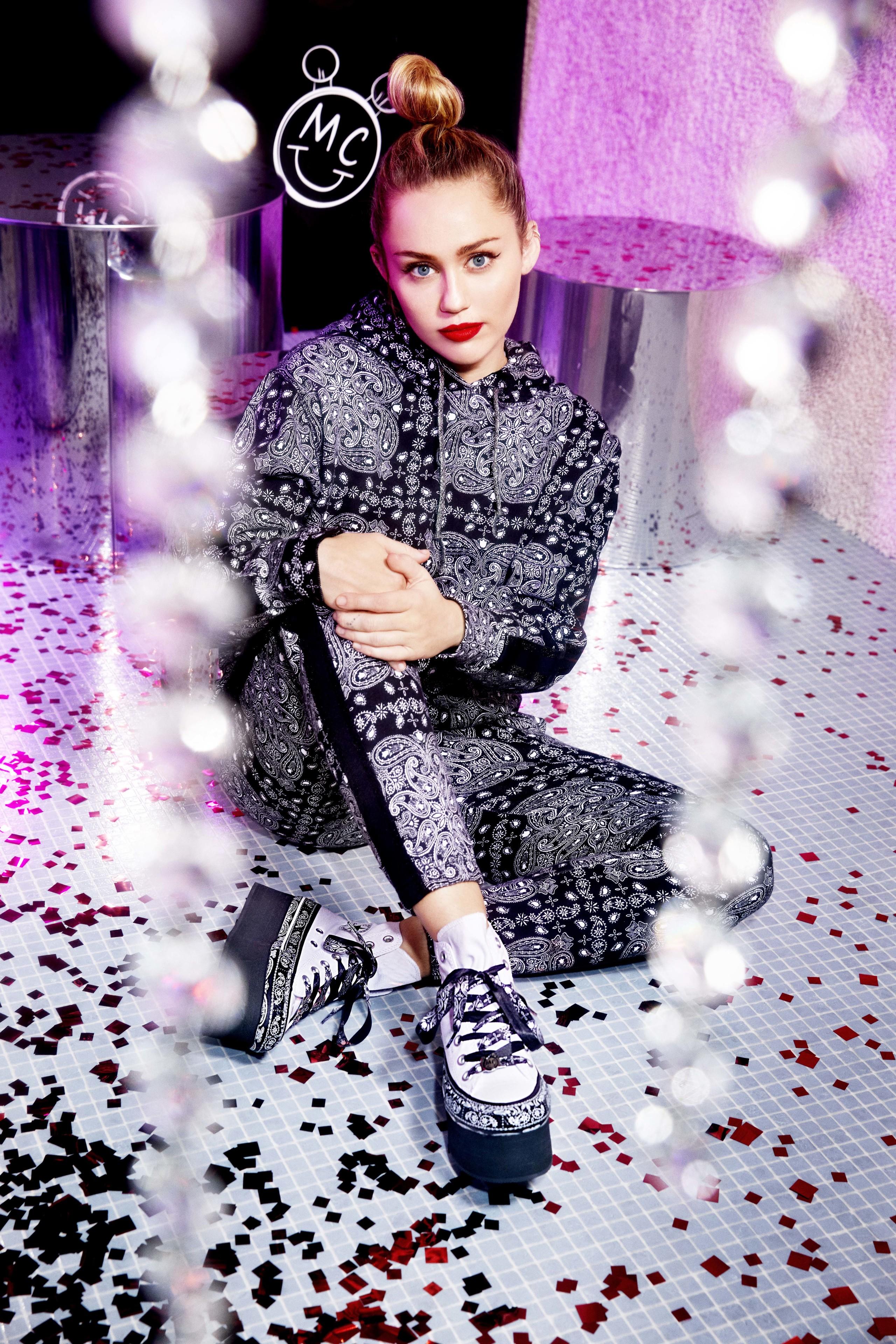 Foto de Converse x Miley Cyrus x Bershka (2/10)