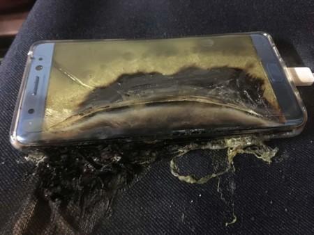 A Samsung le explota su mejor teléfono hasta la fecha, pero... ¿estábamos preparados para un fallo de este calibre?