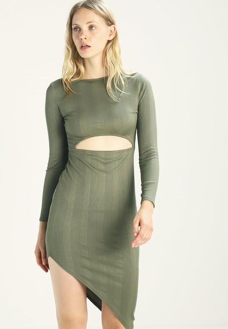60% de descuento en el vestido de Missguided Cut Out Midi: cuesta 11,95 euros en Zalando con envío gratis