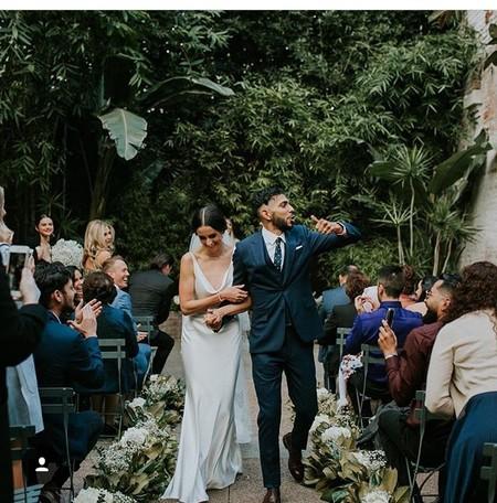 Pronovias firma el vestido de novia de Courtney Barry, la mejor amiga de Selena Gomez