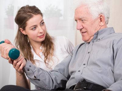 ¿Cuántos días a la semana tiene que entrenar la fuerza tu abuelo? Así debe ser el entrenamiento de los adultos mayores