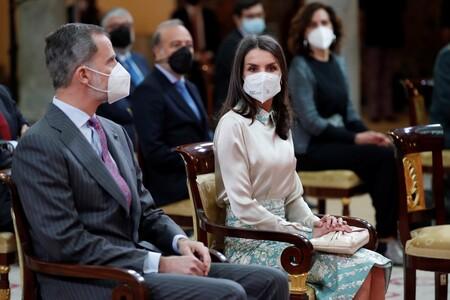 La reina Letizia recupera uno de sus looks más primaverales  cargado de flores