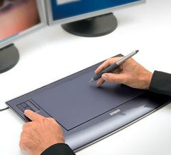 """Recomiendan el uso de la pen tablet para prevenir el """"brazo de ratón"""" o RSI"""