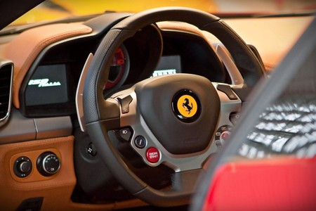 ¡Arrivederci, embragues! Ferrari dice no a las cajas de cambio manuales