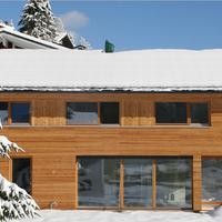 Una casa que destaca por su sencillez perfecta para esquiar en Austria