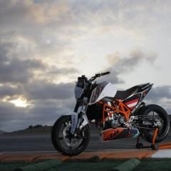 Foto 17 de 31 de la galería ktm-690-duke-track-limitada-a-200-unidades-definitivamente-quiero-una en Motorpasion Moto