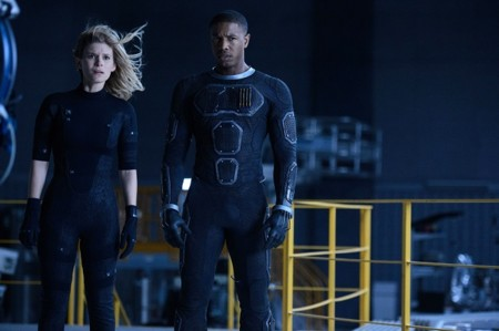 Kate Mara y Michael B. Jordan en Cuatro Fantásticos