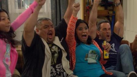 A ABC le convence 'Cristela' y le da temporada completa