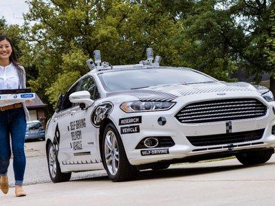 Ford y Domino´s Pizza pretenden que un vehículo autónomo te entregue la pizza un día de estos