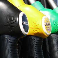 Llega el diésel azul o R33 BlueDiesel: mayor presencia de biocombustible para reducir un 20 % las emisiones de CO₂