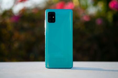 Galaxy A51, el aspirante a superventas de Samsung, a precio mínimo hoy en Amazon: llévatelo por 237 euros con envío gratis