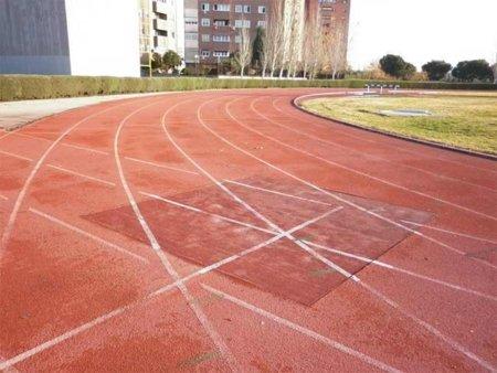 Respuesta a la adivinanza: la pista de atletismo es la opción menos lesiva para salir a correr
