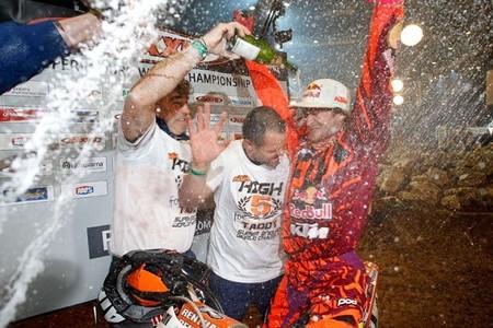 Taddy Blazusiak, campeón del mundo de SuperEnduro por quinta vez