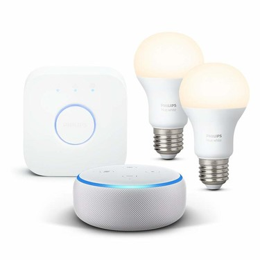 Oferta en hogar inteligente: Echo Dot y Philips Hue White Kit con 2 bombillas y puente por 69,99 euros en Amazon