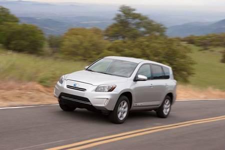 ¿Puede un SUV ser además eléctrico? Sí, y se llama Toyota RAV4 EV