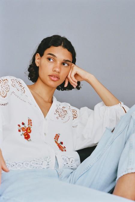 Blusas Blancas 2020 04