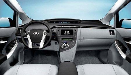 Toyota-Prius-III-salpicadero