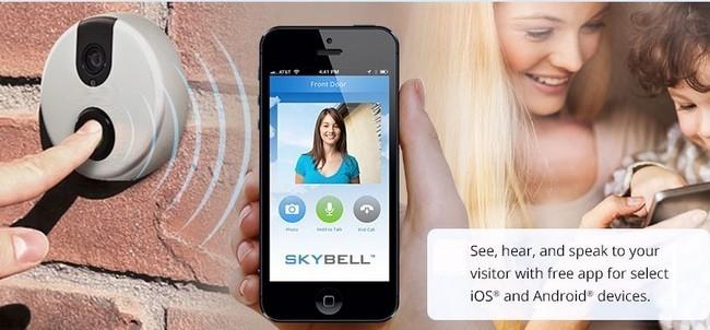 Skybell, otra mirilla conectada que te muestra en el móvil quién llama a la puerta