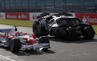 El Batmóvil y el Toyota F1 se juntan en Silverstone