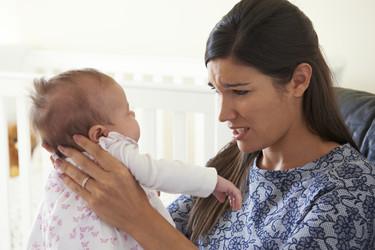 Los padres primerizos reciben tantas opiniones contrarias que acaban totalmente perdidos