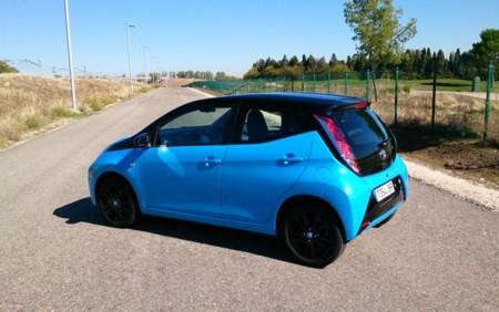 Toyota Aygo X Cite Azul 04