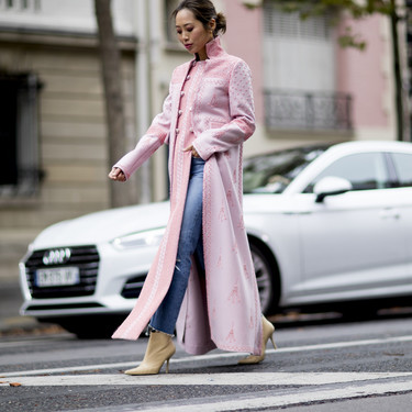 Un invierno al más puro estilo parchís: los abrigos de color son un must. Lo dice el street style