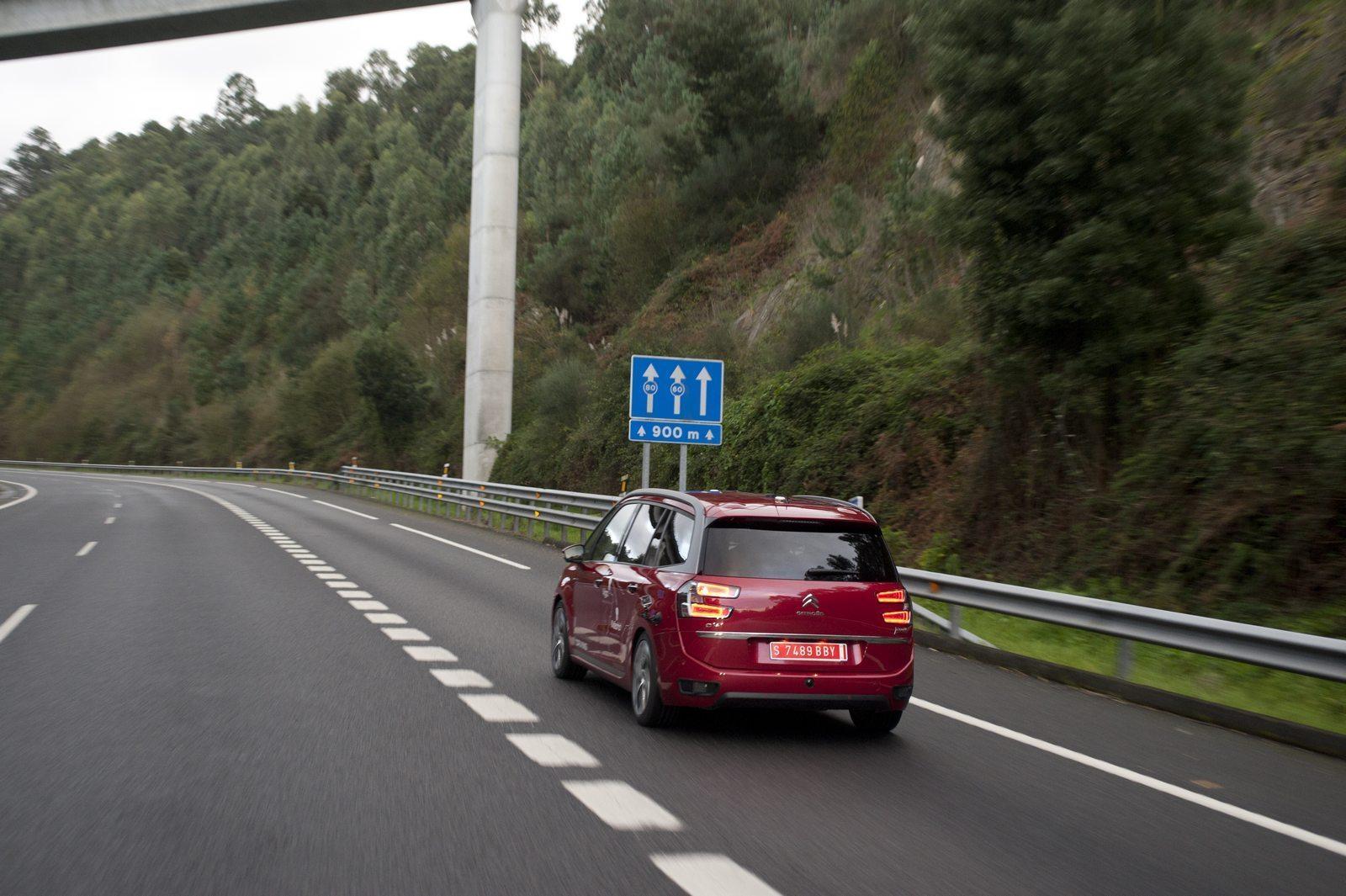 Foto de Coche de conducción autónoma de PSA (1/6)