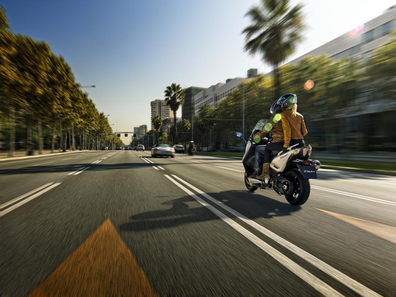 Foto de Yamaha T-Max 2012, fotos de acción (1/13)