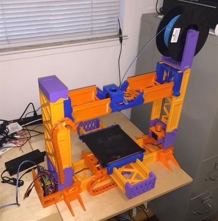 Esta impresora 3D es la que ha sido más veces impresa en 3D