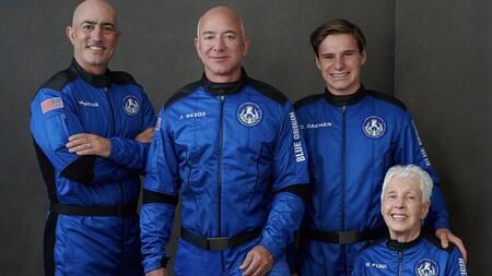 Jeff Bezos lo ha conseguido: viaja al espacio en la New Shepard e inicia una nueva era de turismo espacial (para pudientes)