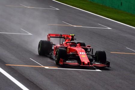 Charles Leclerc es el más rápido de los entrenamientos en un complicado día de lluvia en Monza