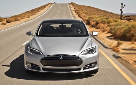 Consumer Reports entrona al Tesla Model S